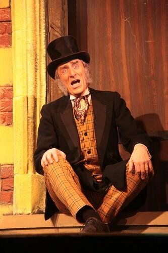 Ian Lawson as John Wellington Wells. Photo © Ross Main