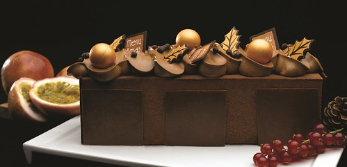 St. Regis Singapore - Chocolate Passion Royal Log Cake cropped