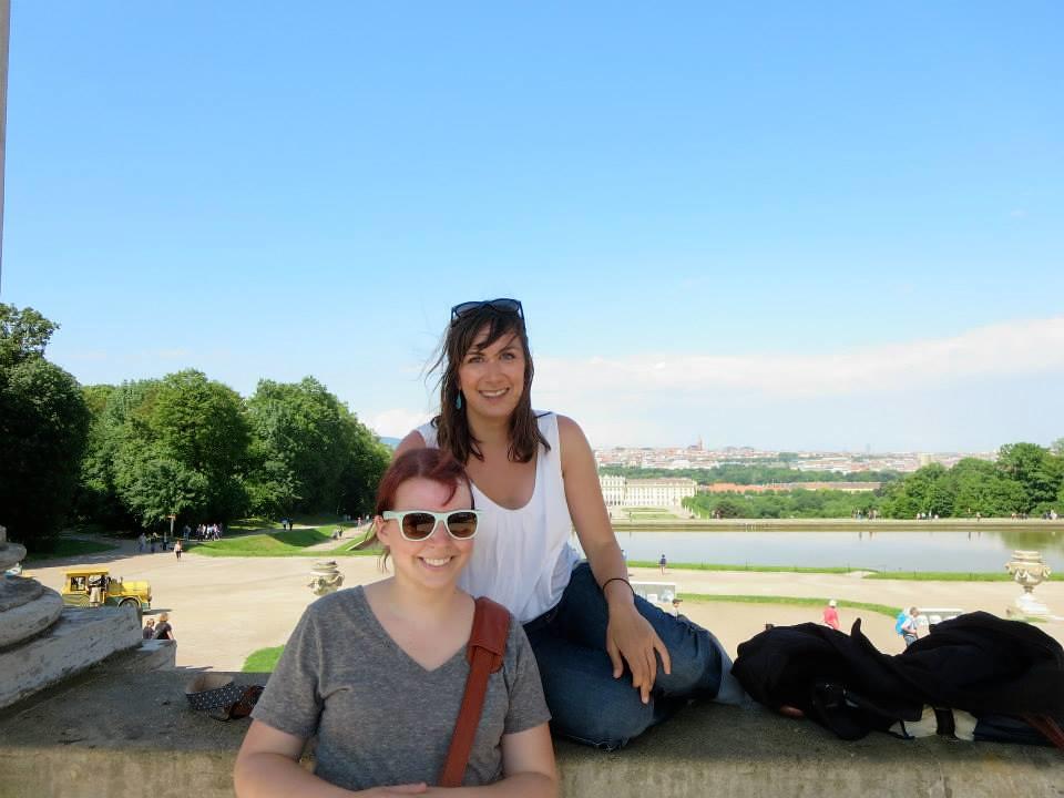 sheena me Schönbrunn Palace