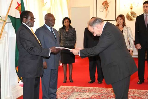 Zimbabwe President Mugabe welcomes the incoming Greece ambassador to Zimbabwe Leonidas Contovounesios at State House. (Photo: Tawanda Mudimu) by Pan-African News Wire File Photos