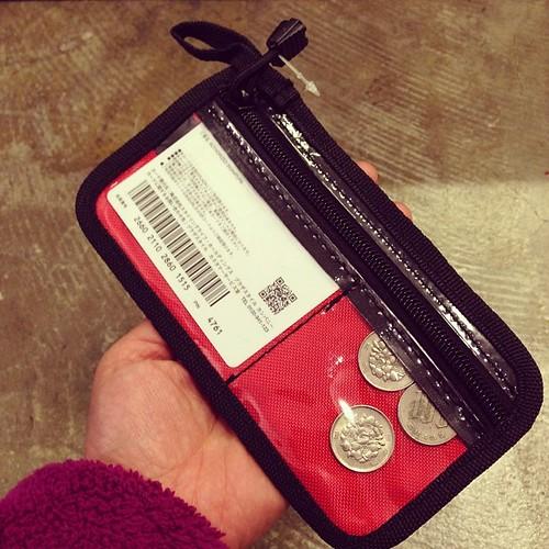 カードと小銭も入って、サイクルウェアのバックポケットにピッタリなサイズ〜これは便利そうよ。