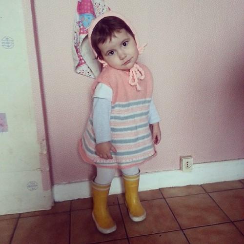 ♥ ma poupée vous souhaite une belle journée ♥ #ootd #vintage #baby #aigle #pink #petitbateau #knit #look #mode #ourlittlefamily #france
