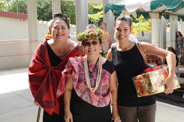 <p>Keiki Kawai'ae'a (center), the director of the UH Hilo Ka Haka 'Ula O Ke'elikōlani College of Hawaiian Language with UH Mānoa Hawaiian Studies Professor Lilikala Kame'eleihiwa (left) and her daughter Punihei Lipe (right) at grand opening of the college's new home, Haleʻōlelo.</p>