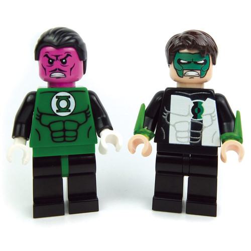 Lego Minifig Sinestro Lantern Kyle (Custom Bricks) by LaPetiteBrique.com