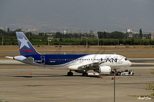 LAN Airlines - Airbus A320-214 CC-BAV - SCL Airport (Santiago, Chile)