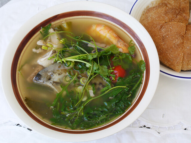 How to make tom hua pa - Lao fish head soup #11