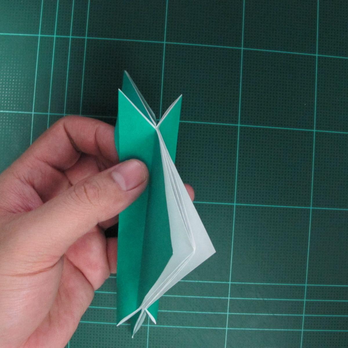 การพับกระดาษเป็นรูปเรือมังกร (Origami Dragon Boat) 021