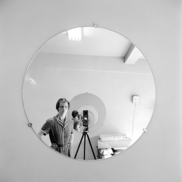 Vivian Maier is relatively unreachable in FINDING VIVIAN MAIER.