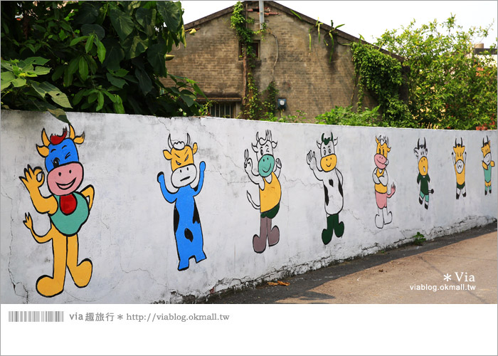 【彰化景點推薦】乳牛彩繪村(福寶村)~數百頭彩色小牛+夢幻藍晒圖的彩色村8