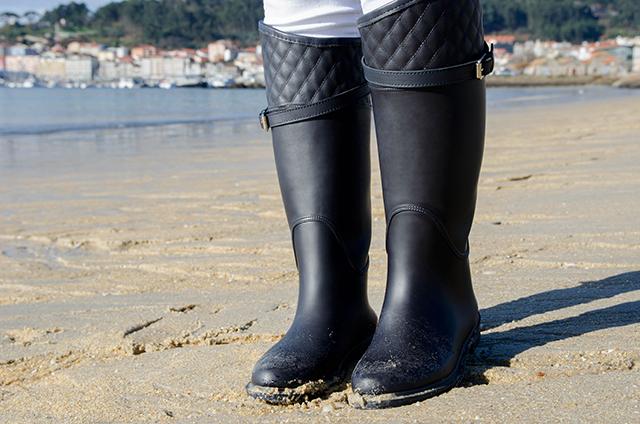 Look con Botas de agua Massimo Dutti