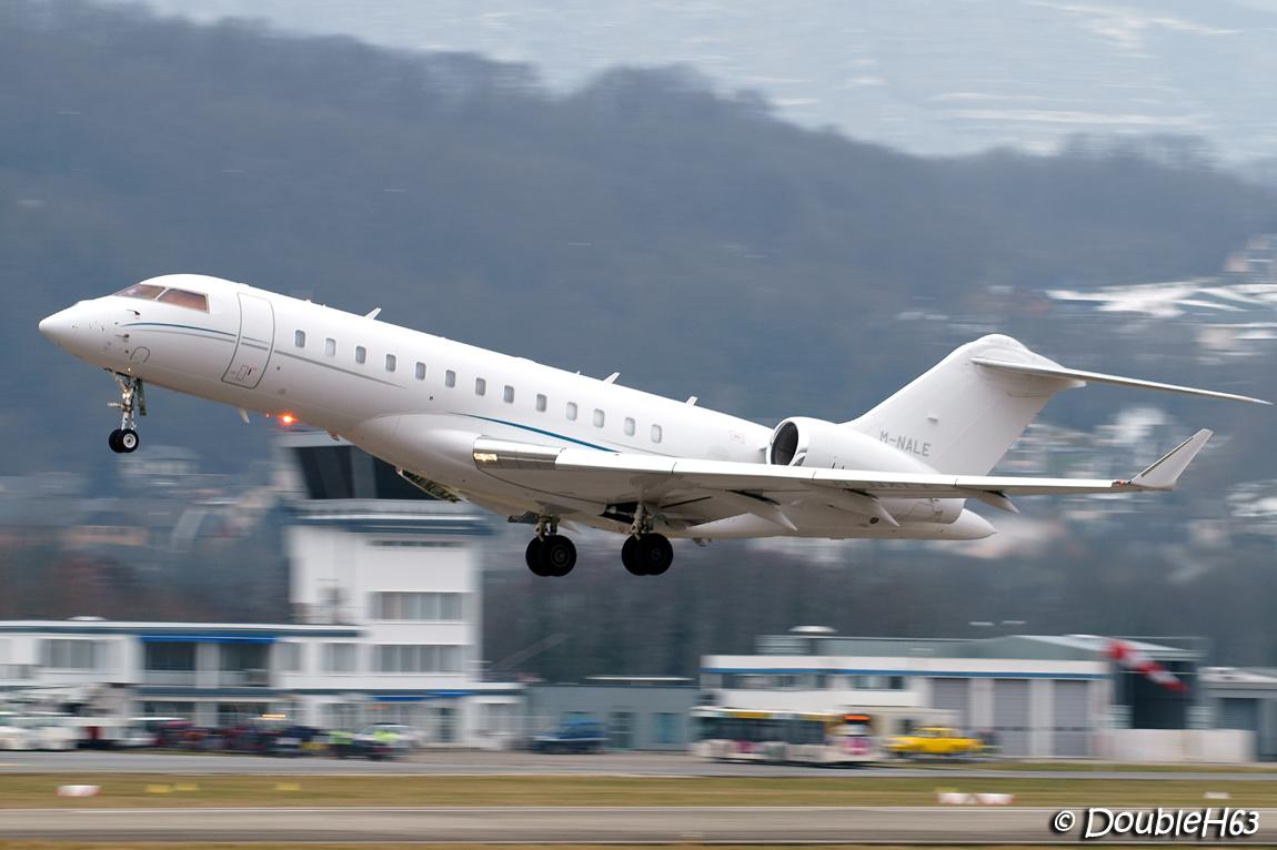 Aéroport de Chambéry Savoie [LFLB-CMF] 16548380861_b0a33168ac_o