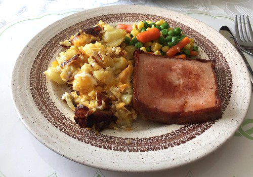 Braised meat loaf with fried potatoes / Gebratener Leberkäse mit Bratkartoffeln