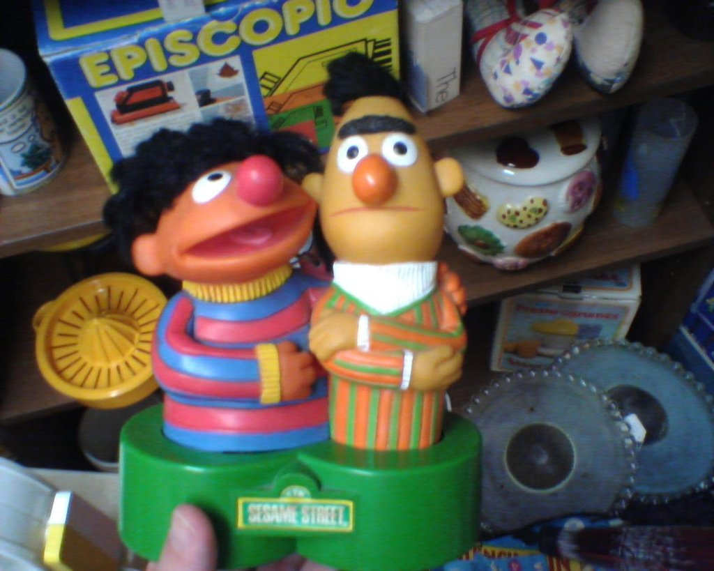 1970 S Sesame Street Bert And Ernie Am Radio Saw This Bert