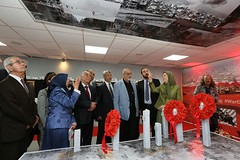 Maryam Rajavi Visiting the exhibition on Syrian people's resistance  (11)