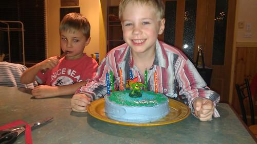 Liam & Skylanders cake 1