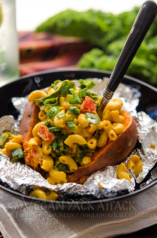 Born to Mac MoFo: Smoky Mac Stuffed Sweet Potato