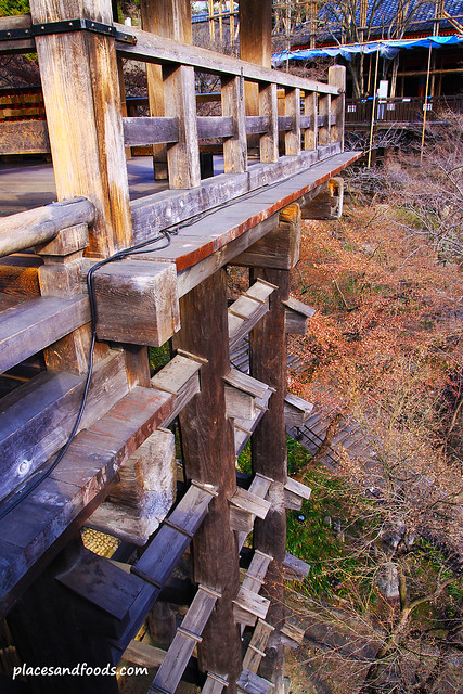 Kiyomizudera (清水寺)Temple 139 wooden pillars