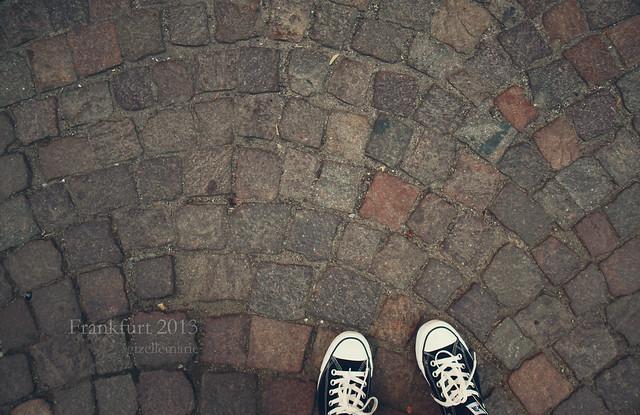 feet cobblestones frankfurt