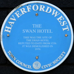 Photo of The Swan Hotel, Haverfordwest blue plaque