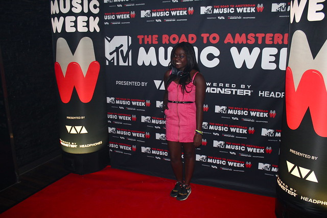 road to Amsterdam MTV EMA 2013 with DNA Monster lisforlois