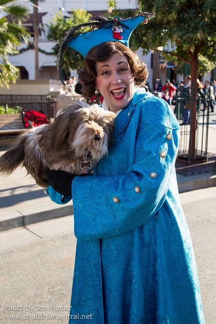 Disneyland Dec 2012 - Meeting Donna the Dog Lady