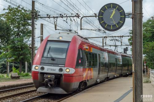 Arles local Train