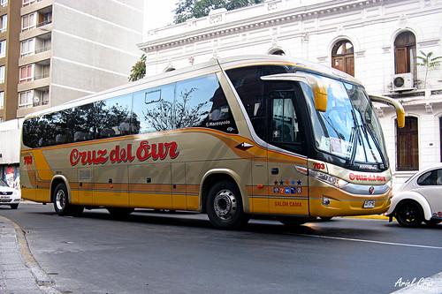 Cruz del Sur en Santiago | Marcopolo Paradiso 1050 G7 - Volvo B9R / CDVY62