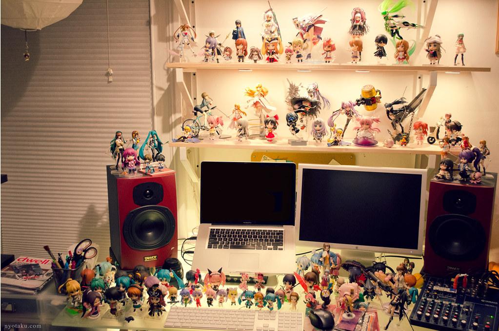 Otaku Desk 2014