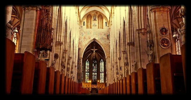 Ulmer Münster - Hauptschiff  - Langhaus - Basilika. My Photopedia.