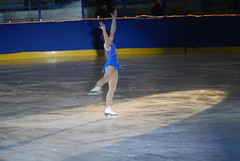 skating(1.0), winter sport(1.0), individual sports(1.0), sports(1.0), recreation(1.0), axel jump(1.0), outdoor recreation(1.0), ice skating(1.0), figure skating(1.0),
