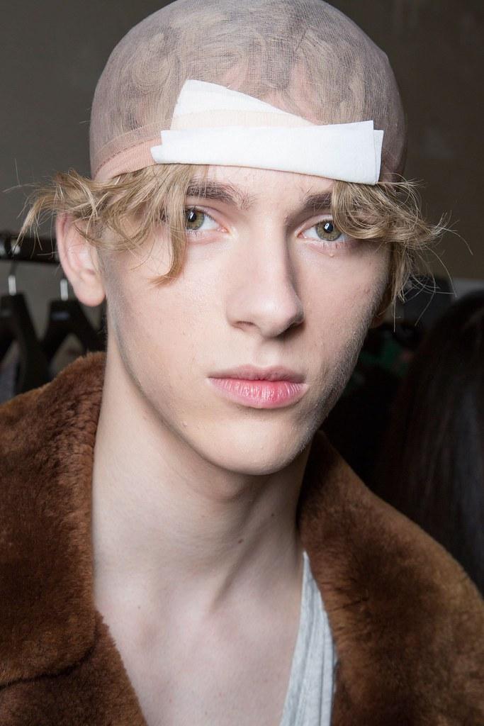 Dominik Sadoch3257_Fw15 Paris Raf Simons(fashionising.com)
