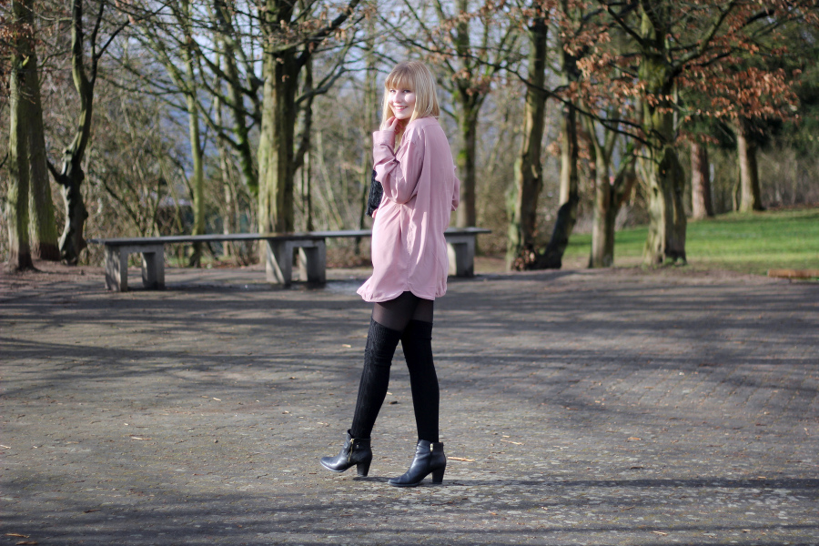 outfit-oversized-bluse-rosa-schwarz