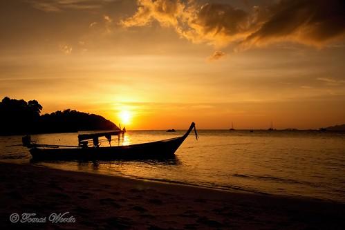 sunset beach geotagged thailand boat asia kohlipe