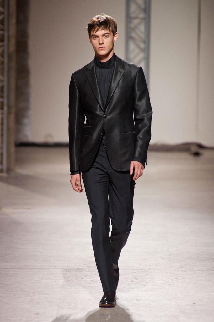 Robbie Wadge3687_FW14 Paris Hermes(fashionising.com)