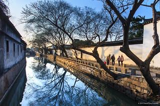 Vespre d'hivern als canals by rauxa i seny