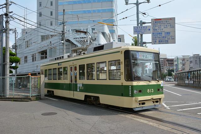 千田車庫から出た813号電車