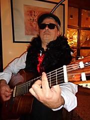 Hotel Antares Letojanni - Giovanni , il chitarrista col boa