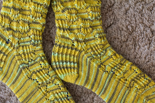 Mona Socks: stitch definition