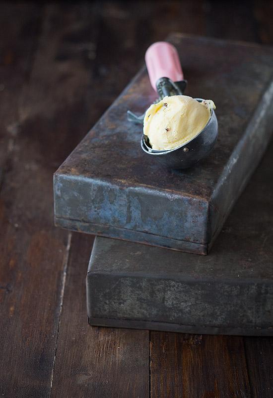 Helado de mantequilla y pacanas. Receta de helado cremoso