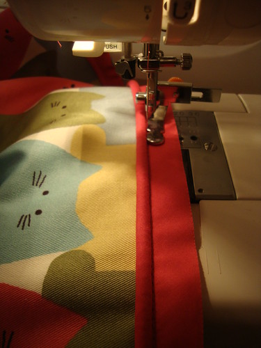 New Look  view E: cat bag in progress!  ipper foot in action