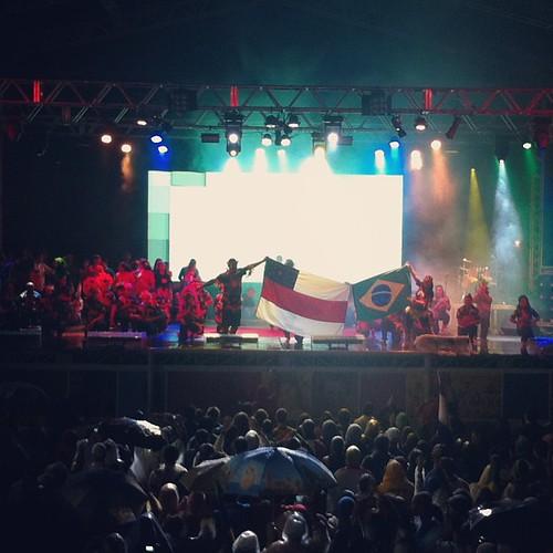 Amazonas sendo representado por sua dança típica. by cnsamanaus