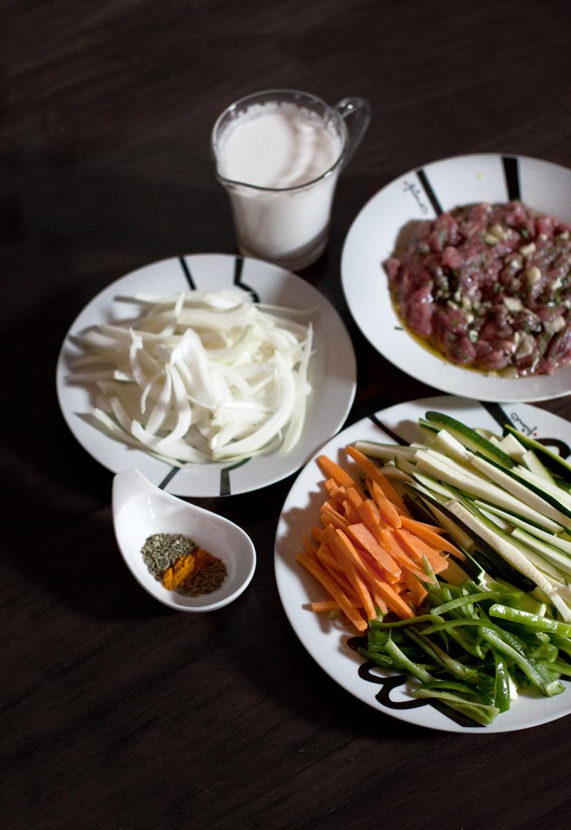 Ingredientes para la ternera en salsa de coco con cúrcuma
