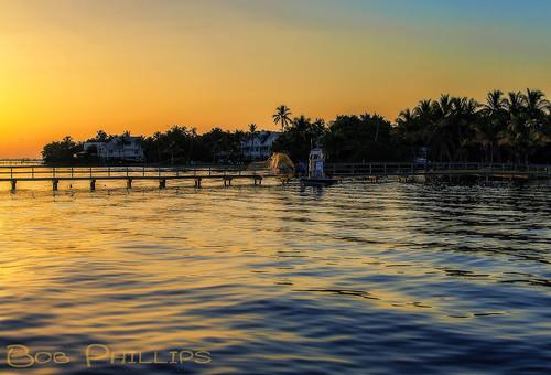 gulfofmexico pier boat fishermen florida palmtrees pineisland bokeelia baitcasting