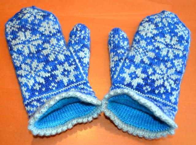 Snowfling Mittens