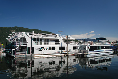 Houseboats in Sicamous, Shuswap Lake, Eagle Valley, Shuswap, British Columbia, Canada