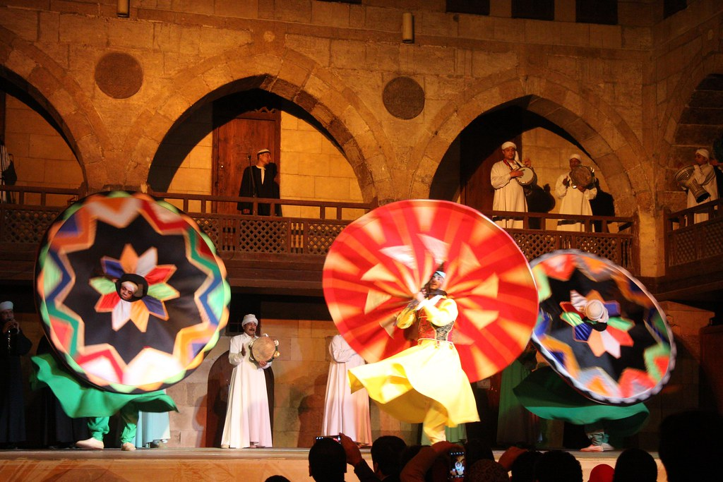 tanoura show