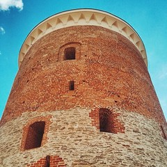 The perfect 13th century keep, or donjon, if you'd rather, or a fortified residency/tower at the perfect Lublin royal castle