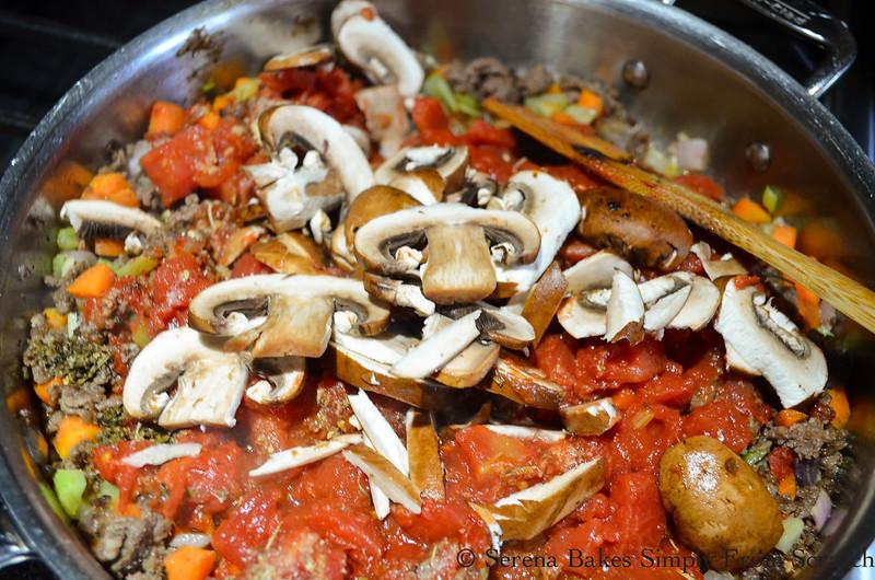 One-Pot-Lasagna-Pasta-Skillet-Mushrooms.jpg