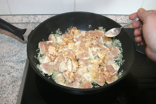 33 - Mit Fajita-Würzmischung bestäuben / Dredge with fajita seasoning