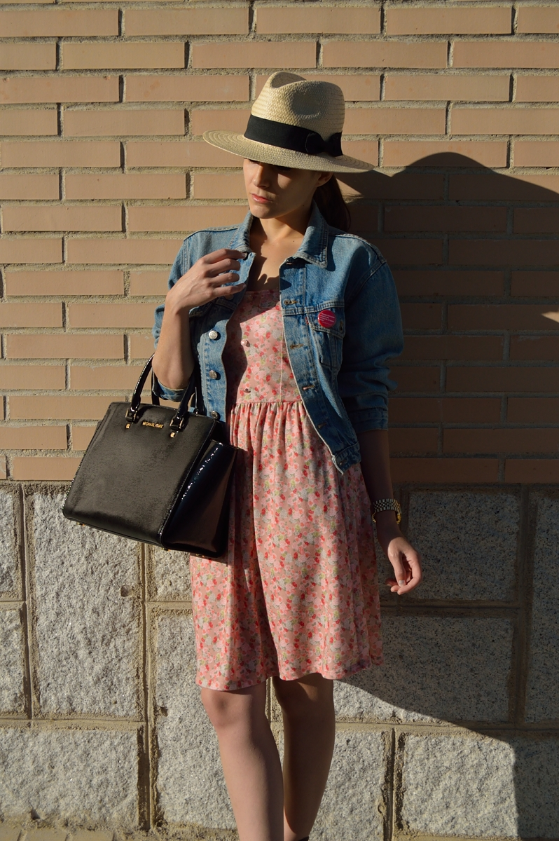 lara-vazquez-madlula-blog-style-spring-denim-flower-dress